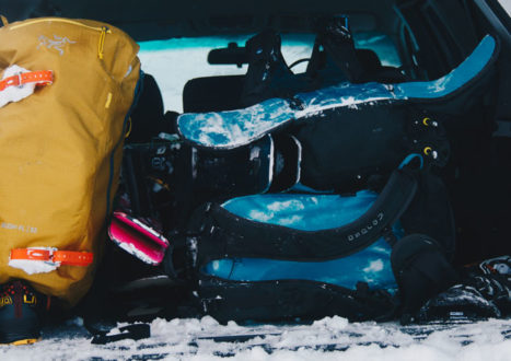 The-Ultimate-Pro-Guide-to-Traveling-with-Ski-Gear