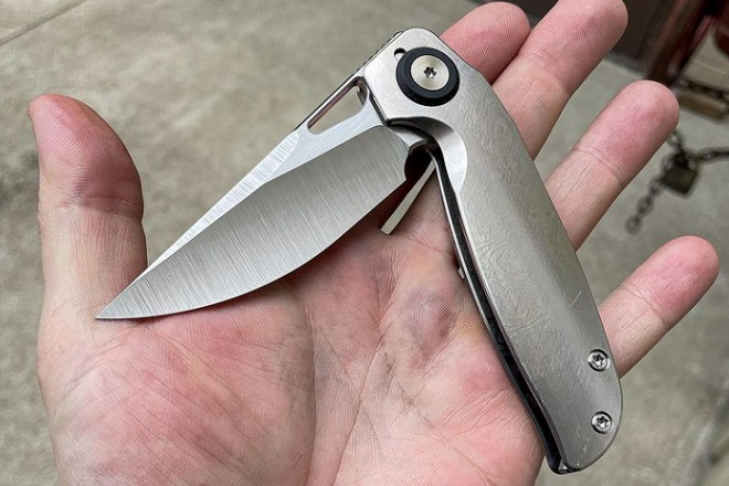 EDC knife makers: Hellion Machine Collective Transient