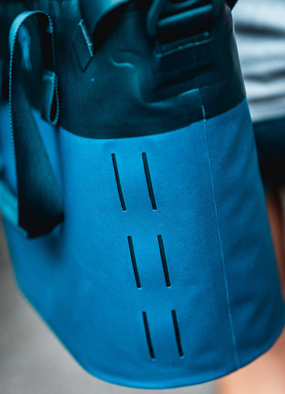 Best Portable Soft-Sided Coolers: Hydro Flask 18L Day Escape Soft Cooler Tote